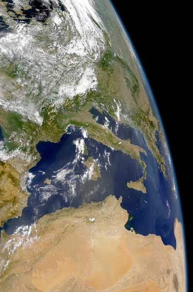 NASA : TERRA : Saharan dust and Balkan smoke